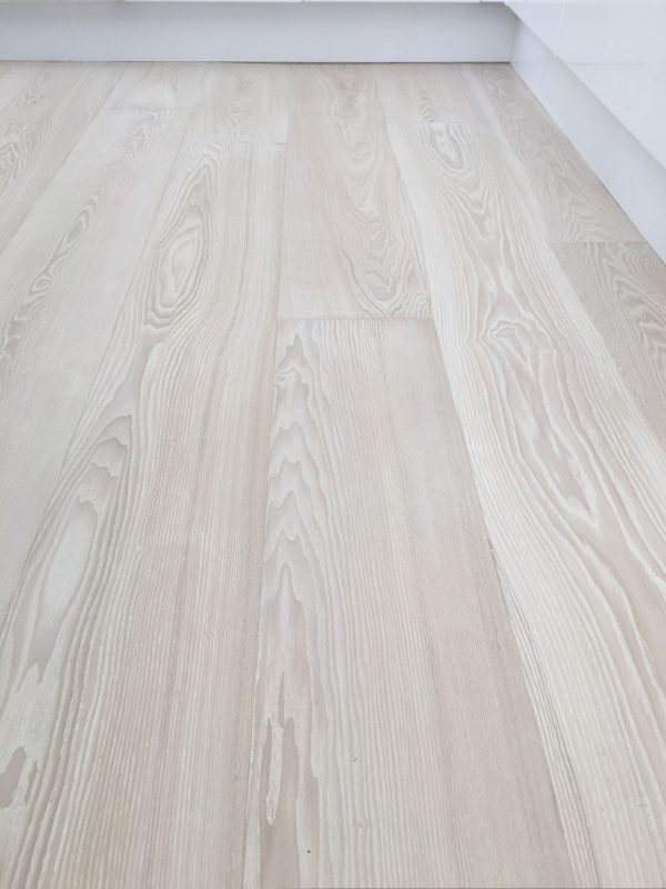 Ash-Ivory-White-Engineered-Hardwood-Flooring-Interior2