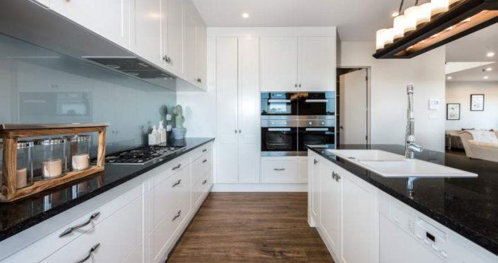 Classic-Oak-Brown-Laminate-Flooring-Interior21-1