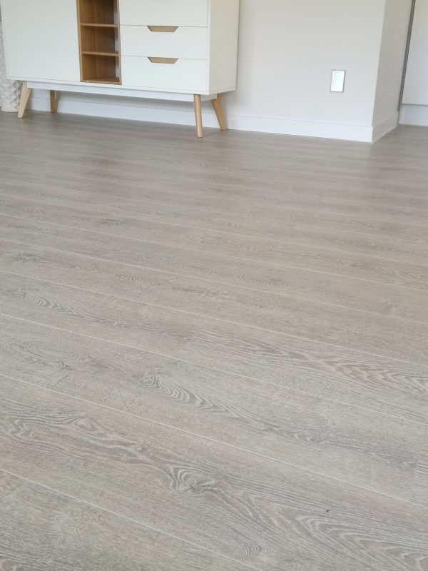 Concrete-Wood-Light-Grey-Laminate-Flooring-Interior6
