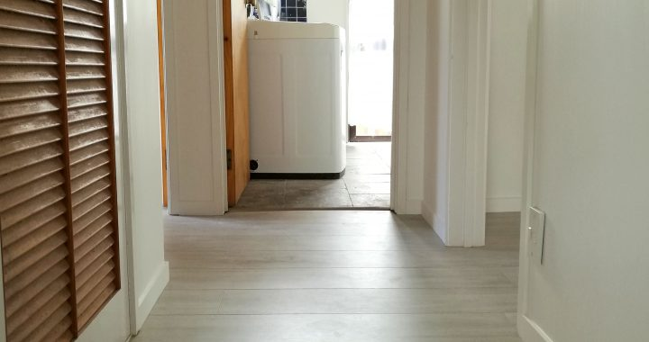 Elegant-Oak-Grey-Laminate-Flooring-Interior