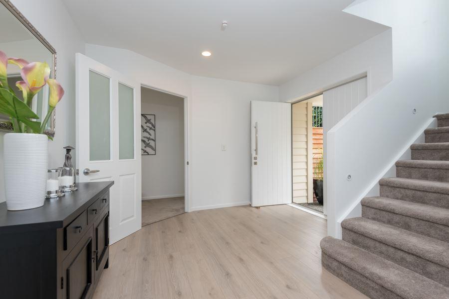 White Washed Oak Laminate Flooring Interior4