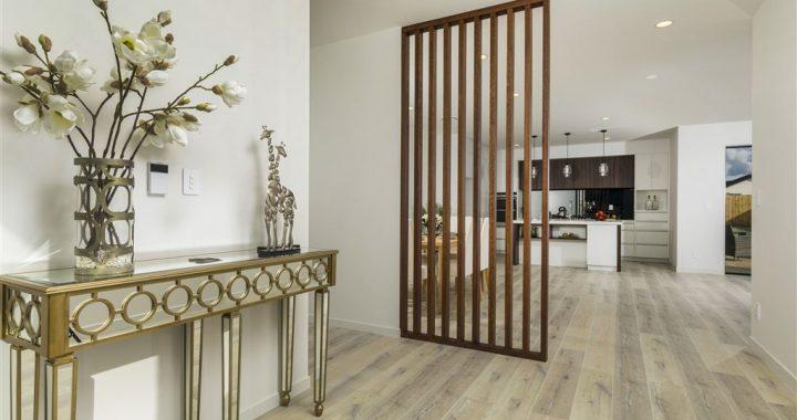 Rustic-Barnwood-White-Laminate-Flooring