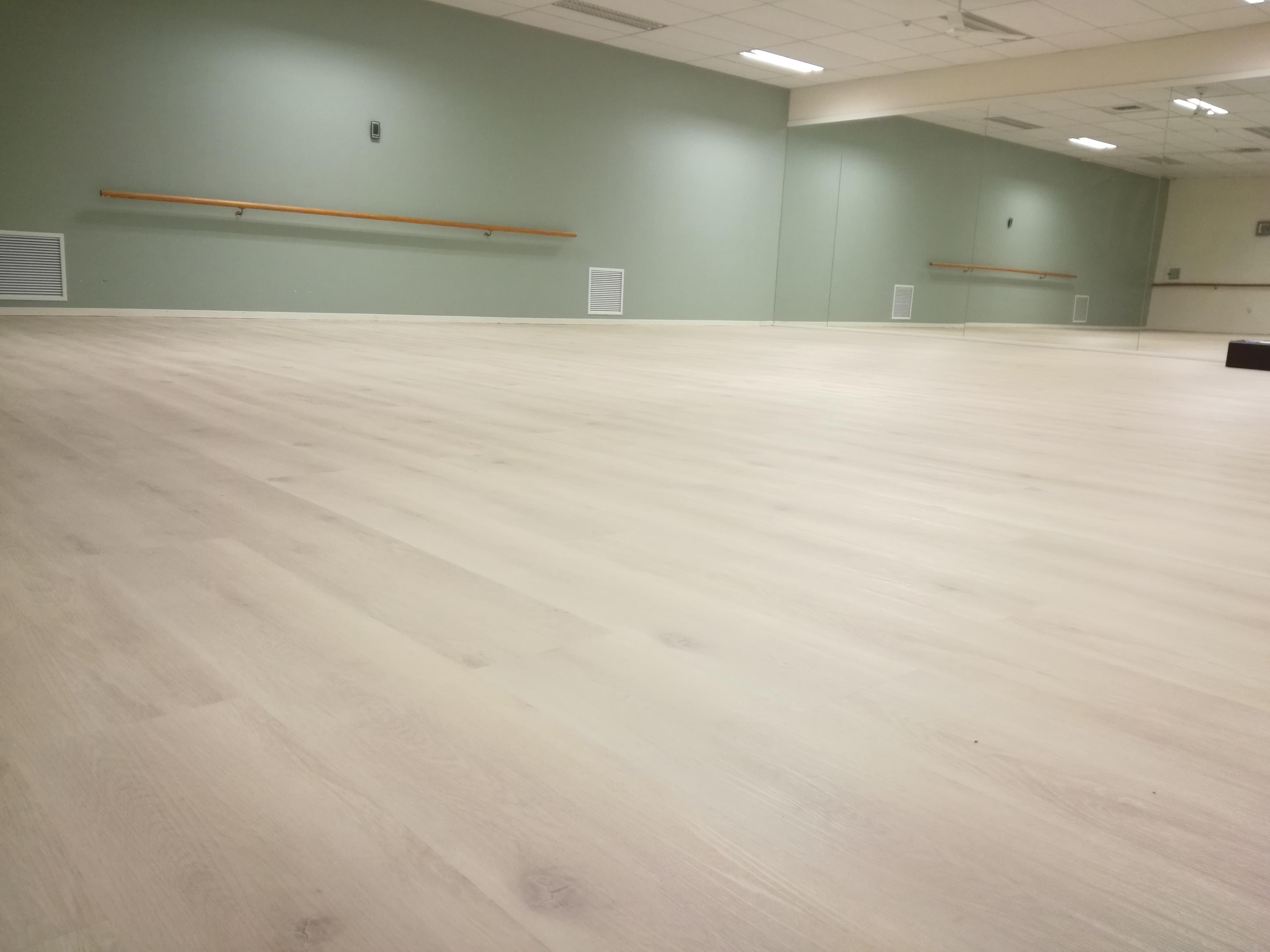 White Washed Oak Vinyl Wpc Flooring