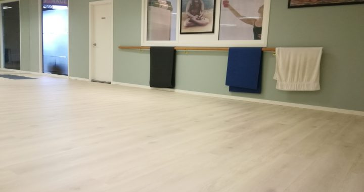 White-Washed-Oak-Vinyl-WPC-Flooring