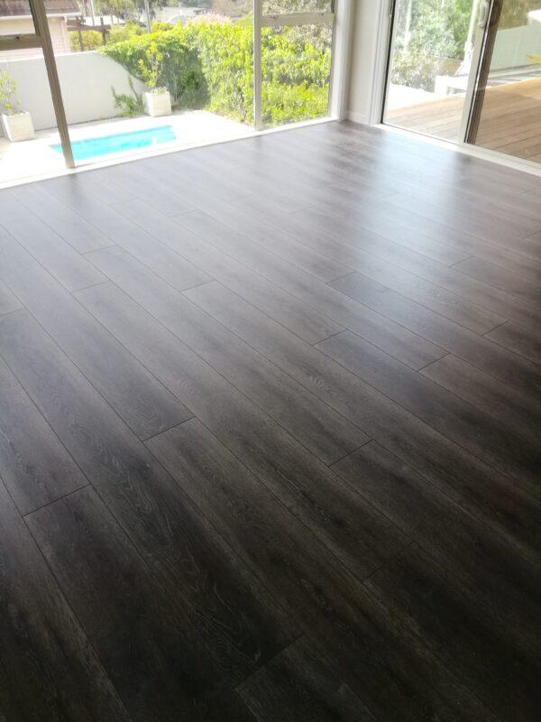 Dark-Vintage-Country-Oak-Laminate-Flooring