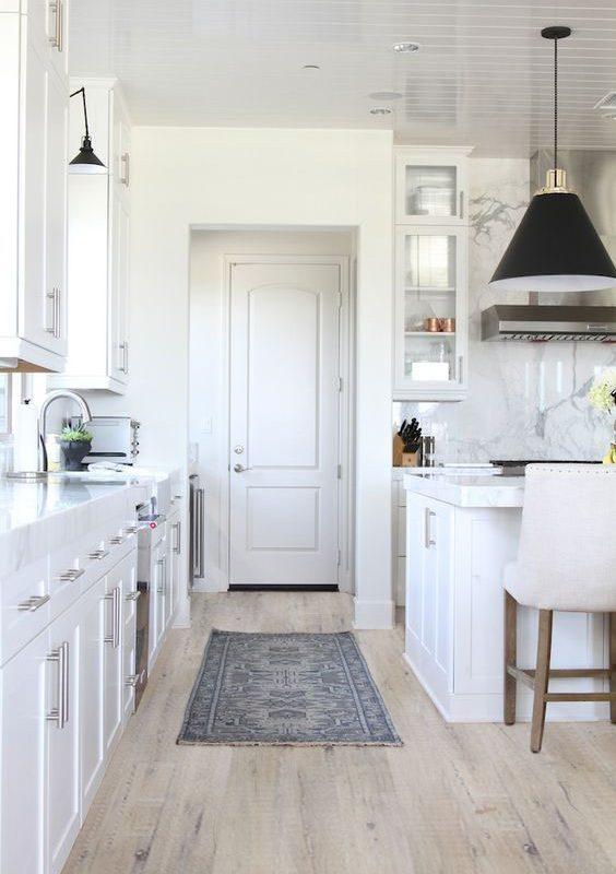 Rustic-Barnwood-White-Laminate-Flooring-Interior