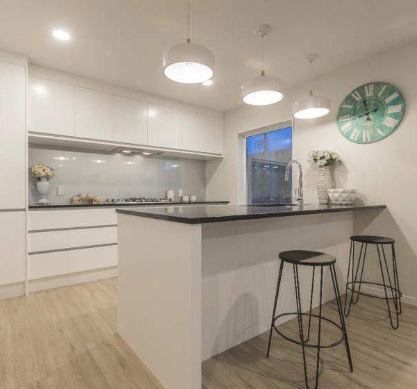 Classic-Oak-Beige-Laminate-Flooring