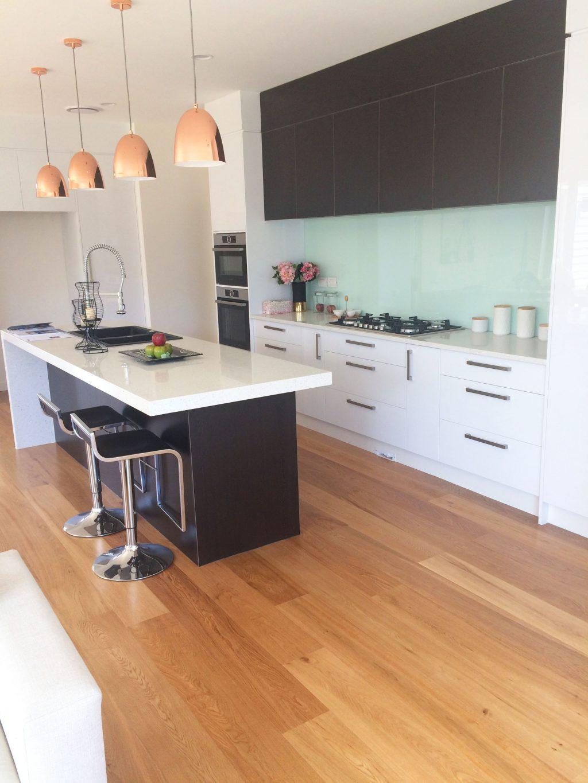 Natural-Oak-Matt-Engnieered-Hardwood-Flooring