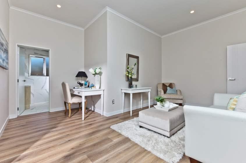 Heritage-Oak-Natural-Laminate-Flooring