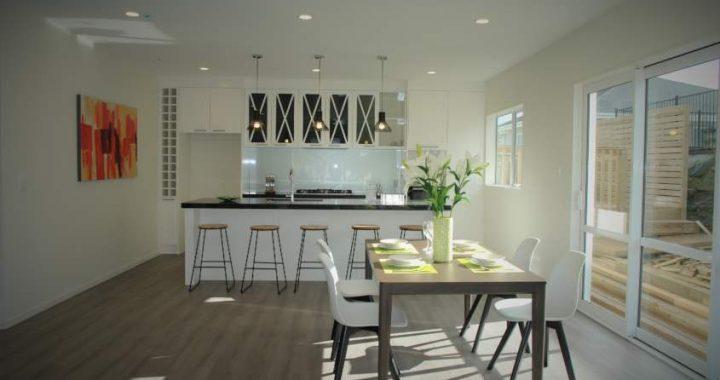Vintage-Oak-Dark-Laminate-Flooring