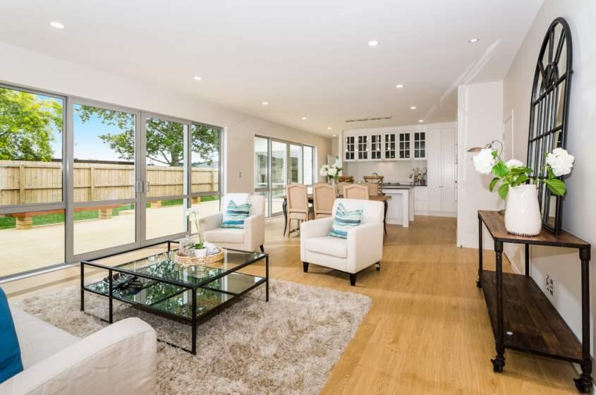 Classic-Oak-Natural-Laminate-Flooring